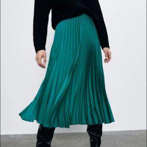 NWT Zara Emerald Green Pleated Skirt Sz Med